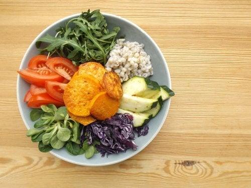 Incluir vegetais na dieta ajuda a manter o peso