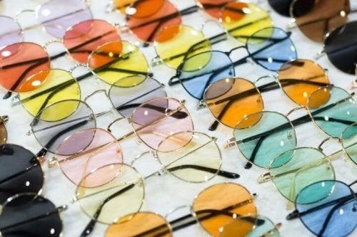 Óculos de sol de cores