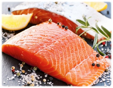 Creme de alho-poró com aspargos combina bem com salmão