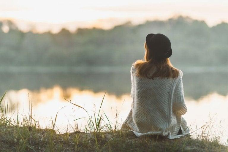 O que os especialistas dizem sobre a solidão e seus benefícios