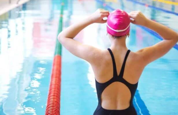Como superar o medo da água e melhorar sua técnica de natação