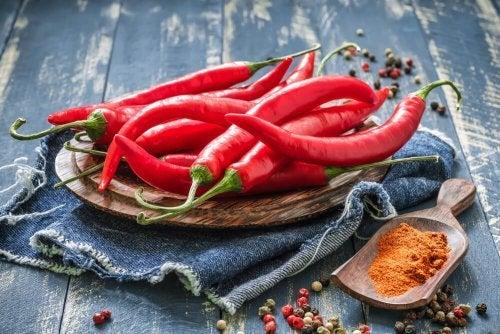 Ingrediente para o arroz de couve-flor à mexicana