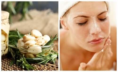 5 remédios com alho para tratar a acne