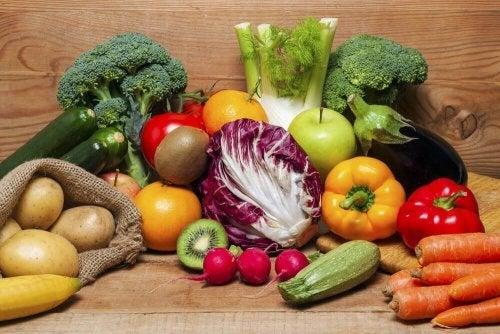 Não incluir todos os nutrientes é um dos erros que fazem engordar em uma dieta