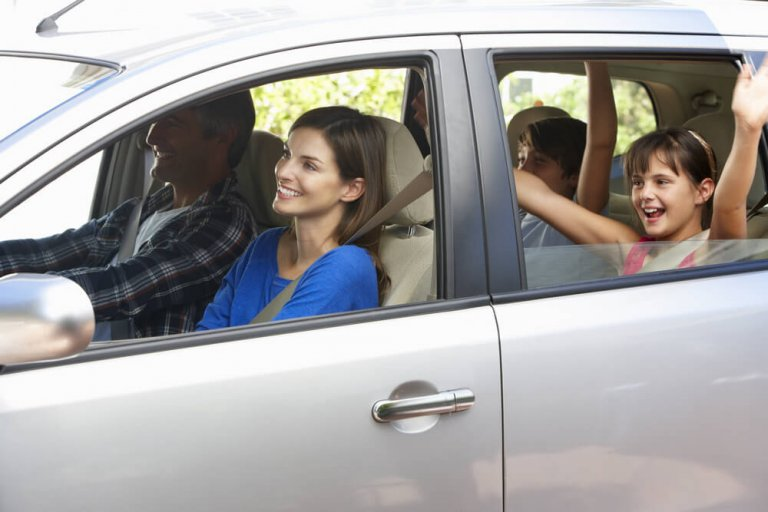 5 dicas para uma viagem de carro segura ao sair com seus filhos