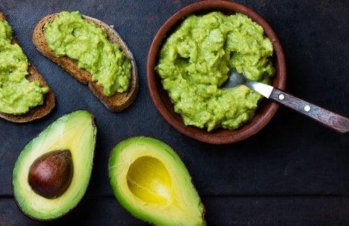 Alimentos para aumentar o magnésio na dieta: abacates