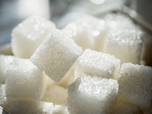 Cubos de açúcar refinado