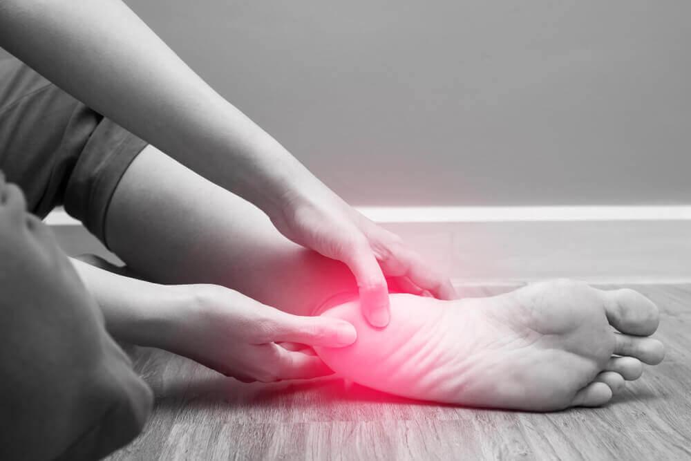 Como a alimentação influencia no controle da artrite?