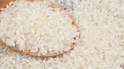 Arroz para receita de arroz com frango ao estilo espanhol