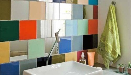 Decorações de banheiro com cores