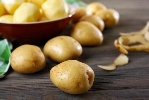 Batatas para a receita de polvo galego