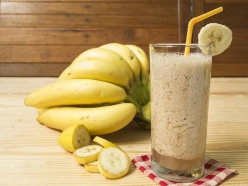 Vitamina de soja, banana e manteiga de amendoim