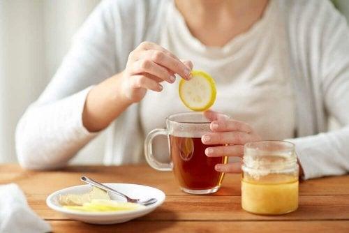 5 bebidas para perder peso que não devem faltar na sua dieta