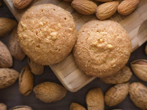 Biscoitos de coco e amêndoas saudáveis