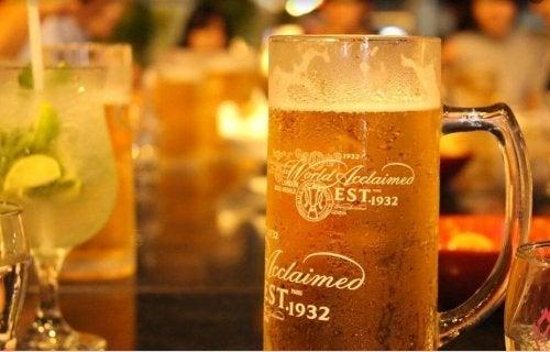 A cerveja gelada serve para a dieta da cerveja
