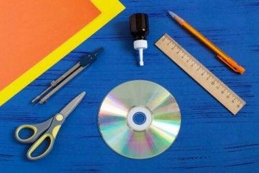 Cortinas com CDs reciclados: faça as suas!