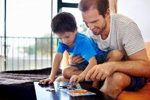 Coisas que os pais fazem ao cuidar dos filhos