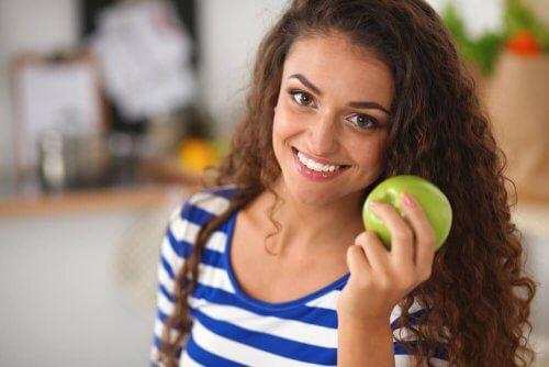 Dieta da maçã verde: uma opção para desintoxicar