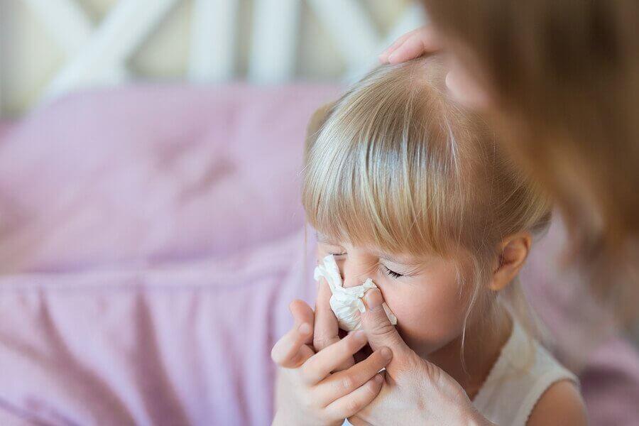 5 maneiras efetivas de eliminar o muco nas crianças