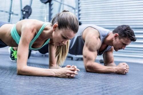 O que acontece ao exercitar demais os músculos?