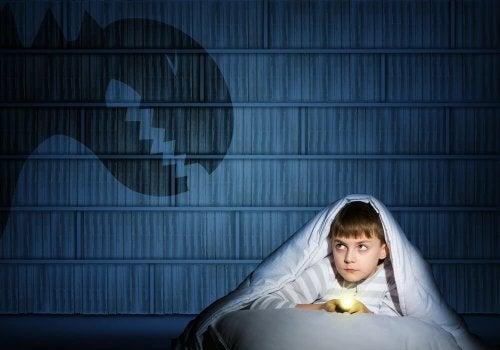 Meu filho tem medo de ficar sozinho