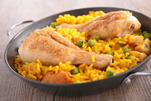 Arroz com frango ao estilo espanhol