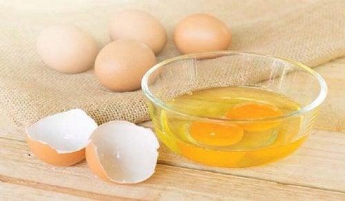 Gema de ovo para deixar o cabelo limpo