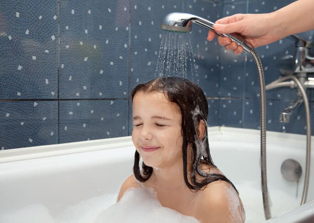 Higiene pessoal para crianças: como acostumá-las desde cedo