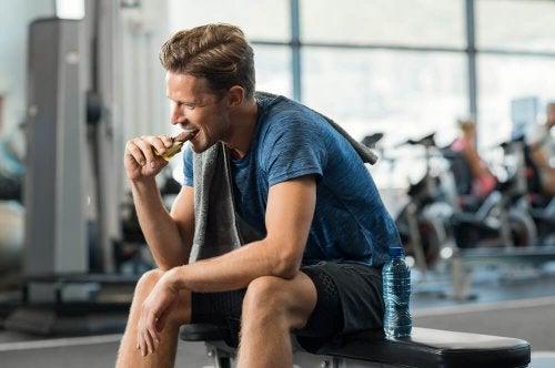 5 lanches com menos de 100 calorias para sua dieta