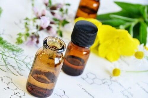 óleo de onagra em frasco
