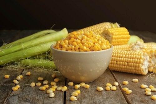 Flocos de milho são cereais integrais