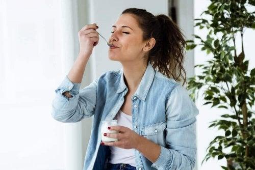 Dieta do iogurte: uma opção saudável para emagrecer