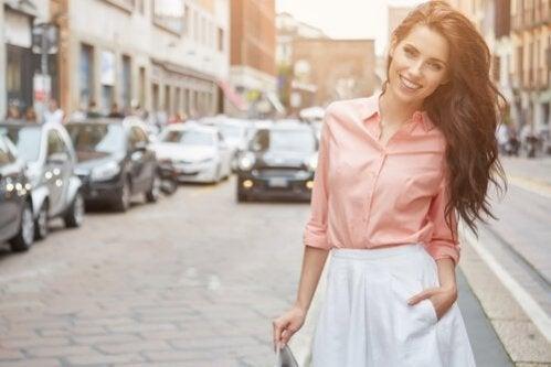 Como se vestir se você tem pouca cintura?