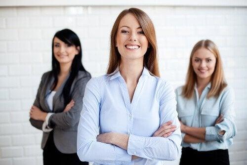 Pode vestir camisa e jaqueta em uma entrevista de emprego