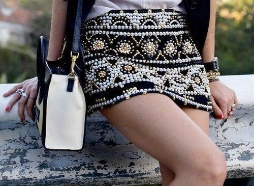 Como se vestir se você tem pouca cintura? Use saias