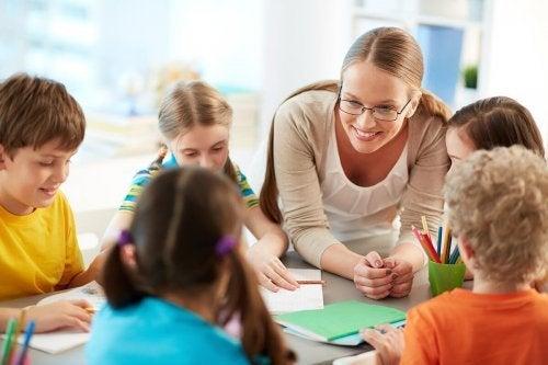 Perguntas aos professores de nossos filhos: prestam atenção?
