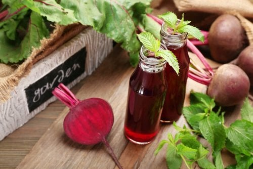 7 razões para incluir o suco de beterraba na dieta