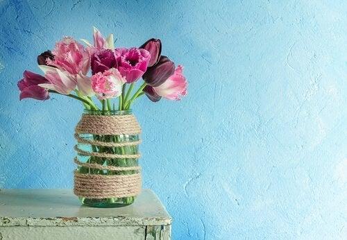 Ideias para reciclar potes de vidro: vaso de flores