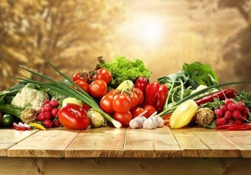Vegetais para a sopa espanhola