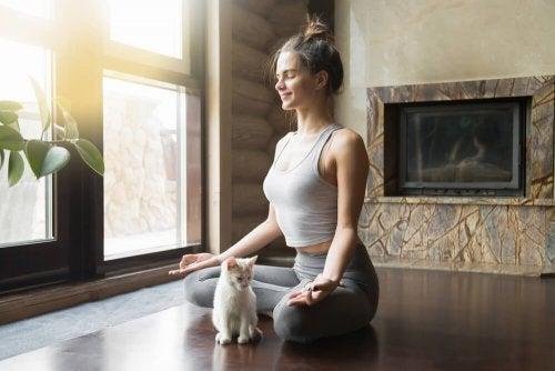Mulher flexível