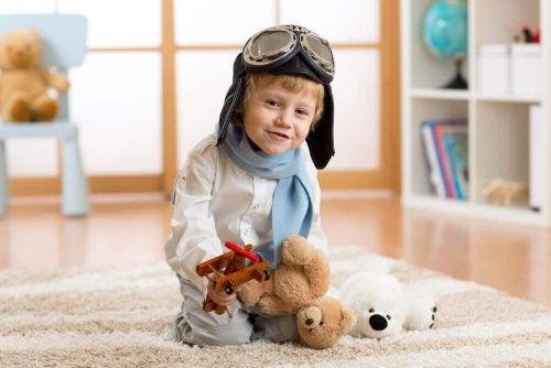 4 vantagens de seu filho brincar sozinho