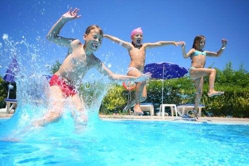 Segurança dos seus filhos na piscina