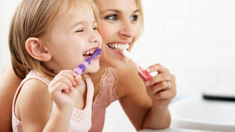 6 truques para evitar o mau hálito nas crianças