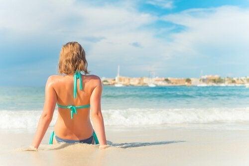 Dicas para proteger a pele no verão, se você tem alergia ao sol
