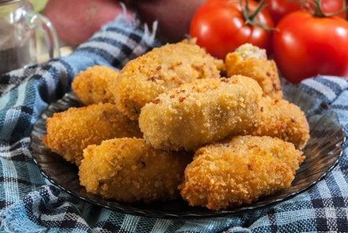 Croquetes de salsicha assados ao forno deliciosos!