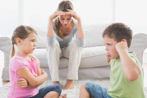 Por que é importante que as crianças brinquem: Melhora o comportamento