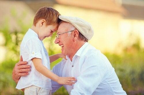Assistir filmes com os avós fortalece os vínculos