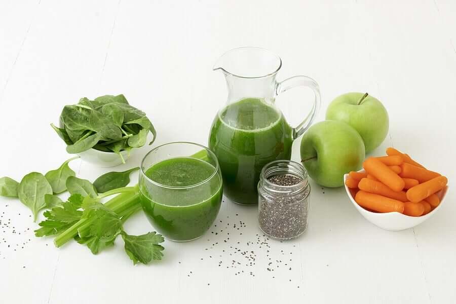 Conheça receitas de bebidas com baixo teor de calorias que permitem controlar a sensação de fome entre as refeições principais