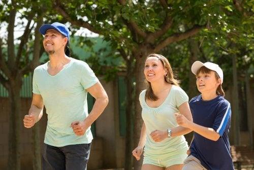 família fortalecendo as relações no esporte