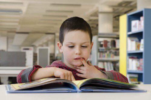 8 benefícios da leitura para as crianças